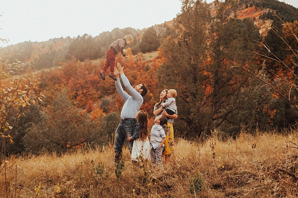 Katie + Chris + All the Cute Kids || Logan, Utah Family Photographer || Blacksmith Fork Canyon Fall
